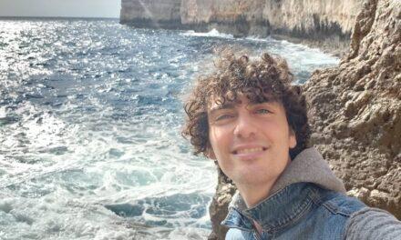 """""""Sabiħ li wieħed jemmen li l-imħabba tirbaħ fil-ħajja"""" – Reuben Micallef"""