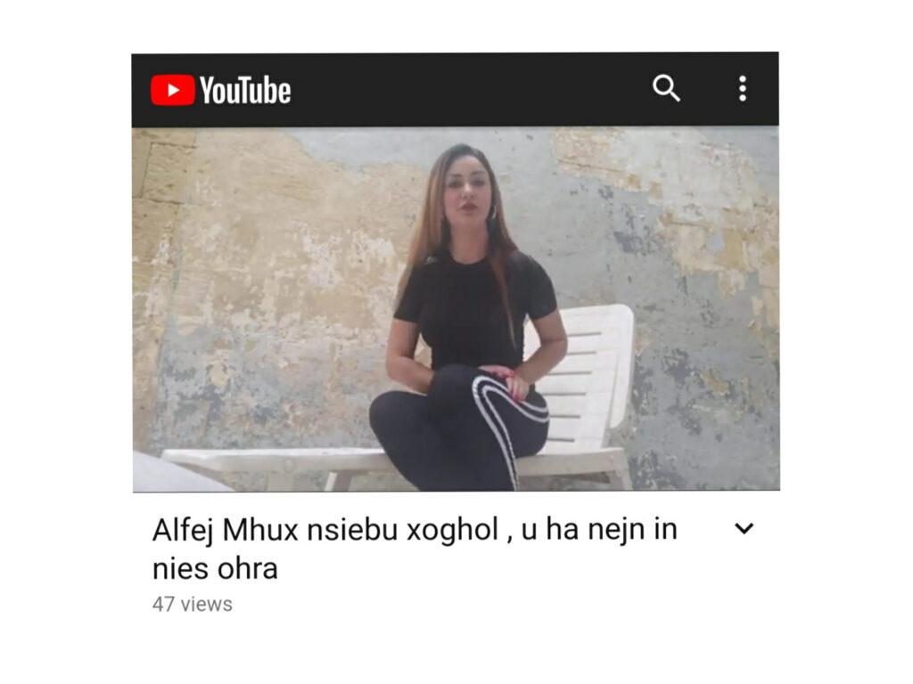 Filmat: Single mother bla xogħol b'inizjattiva biex tgħin nies oħra jsibu xogħol u l-imħabba
