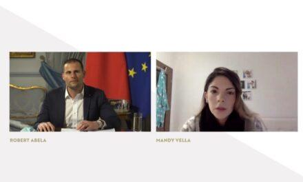 Filmat: Il-Prim Ministru jħabbar li se tibda tingħata l-mediċina għas-Cystic Fibrosis