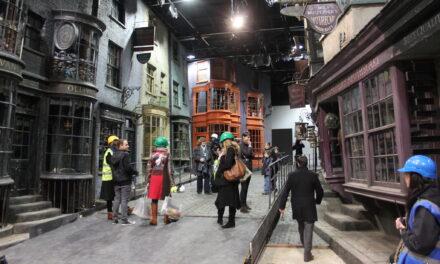 Tour virtwali ta' Harry Potter mill-kumdità ta' darek!
