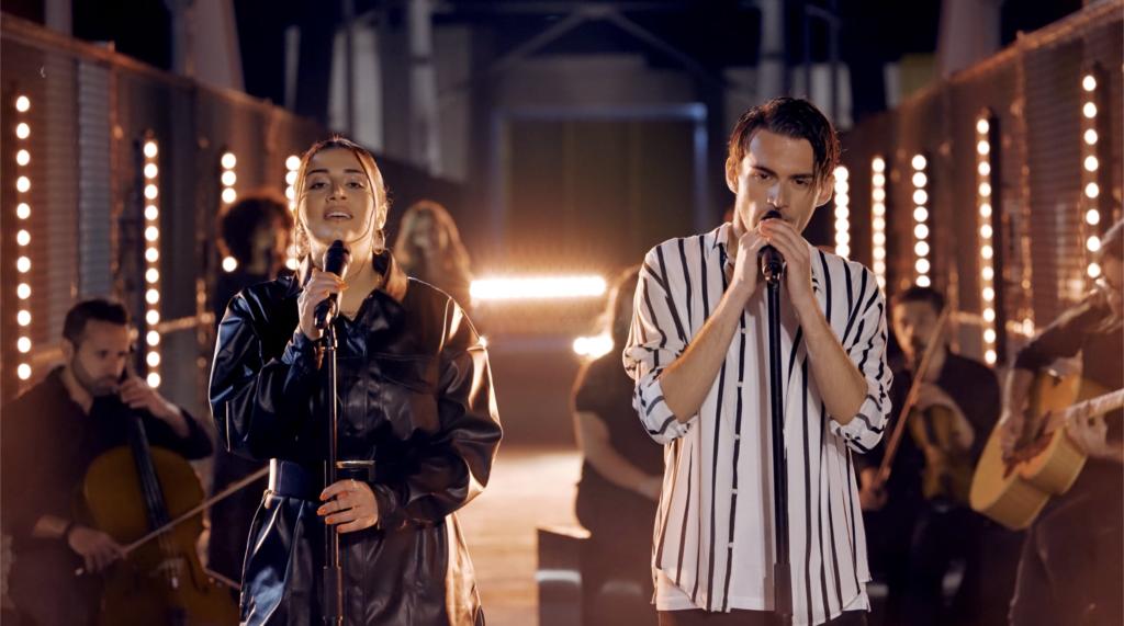 Filmat: Aidan b'verżjoni akustika ta' Naħseb Fik ma' Amber