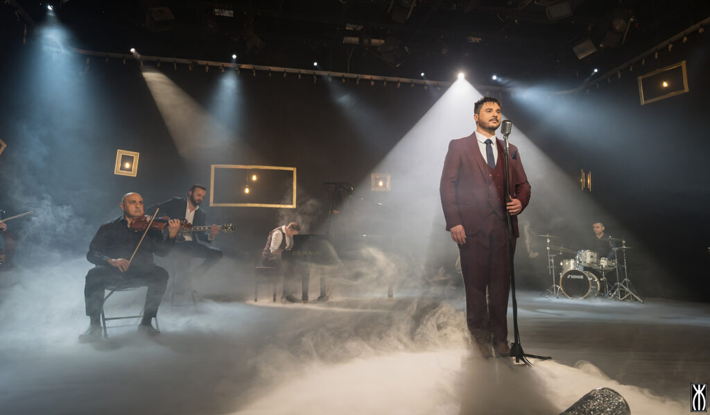 Filmat: Christian Arding iniedi l-vidjow mużikali tal-kanzunetta 'Għajejt Inħobb'