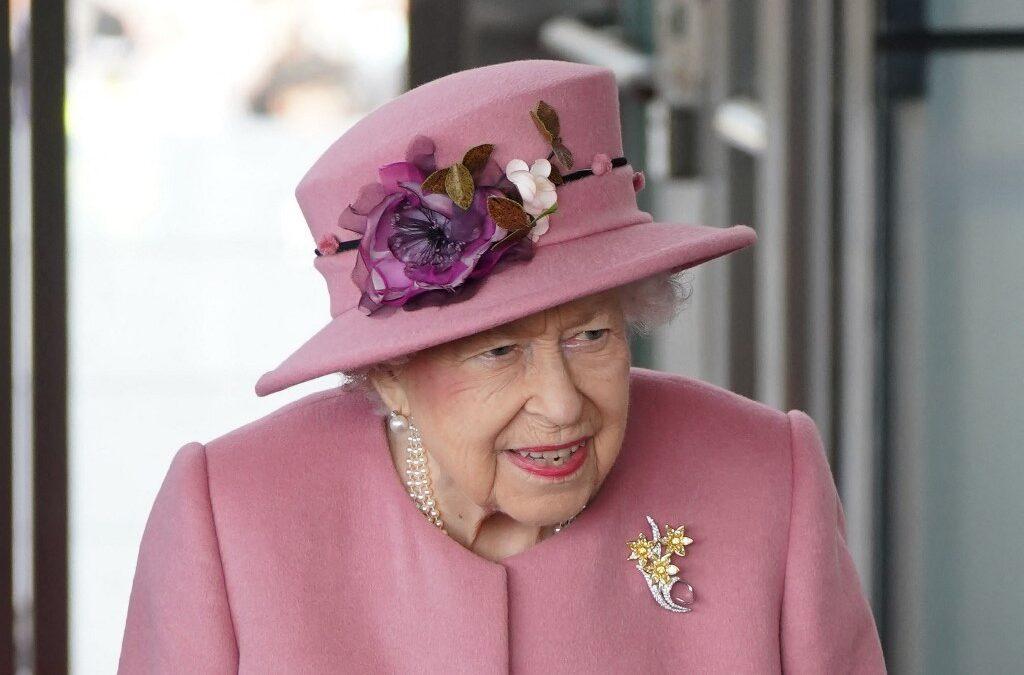 Buckingham Palace jikkonferma li r-Reġina tinsab lura Windsor wara lejl l-isptar